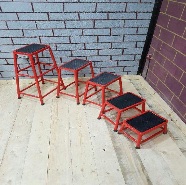 چهارپایه های فلزی درسایزهای 20،30،40،50،70cm
